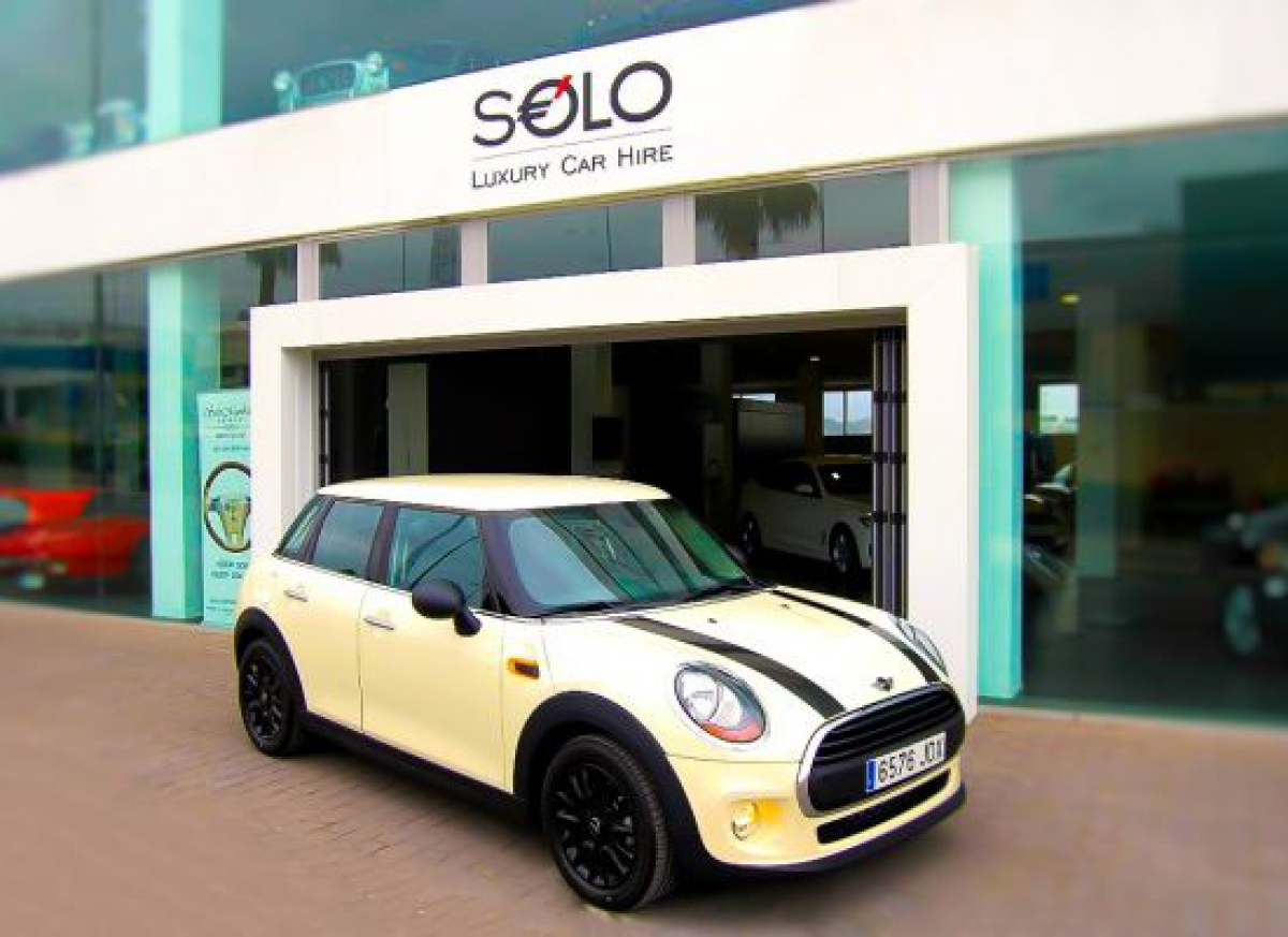 Solo Luxury Car Hire